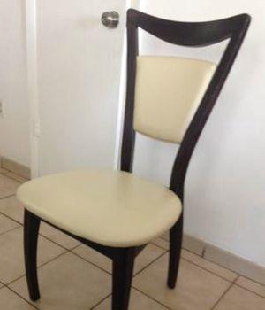 Mesa de comedor con 4 sillas for Sale in Miami, FL