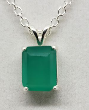 Natural 11x9mm Green Agate Necklace for Sale in Justin, TX
