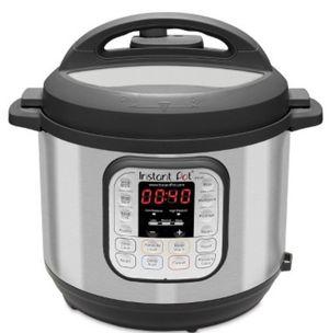Instant Pot Duo 6qt 7-in-1 Pressure Cooker for Sale in Pomona, CA