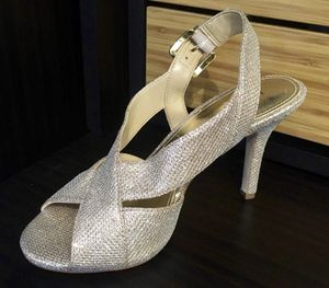 MICHAEL KORS SHOES (Size 7) for Sale in Tampa, FL