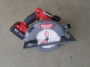 Milwaukee m18 BRUSHLESS circular saw for Sale in Hudson, OH