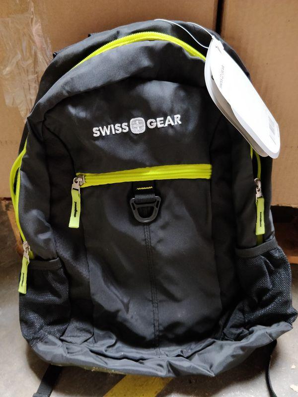 Swiss Gear black lightweight backpack comfy pouches