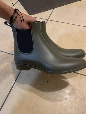 STORM WOMEN OLIVE GREEN RAIN BOOTS SIZE 11 for Sale in Perris, CA