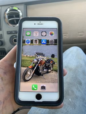 iPhone 6S plus for Sale in Grundy Center, IA