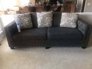 Couch for sale. 400$ or best offer for Sale in Phoenixville, PA