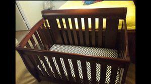 Delta Adjustable Crib With Mattress for Sale in Austin, TX