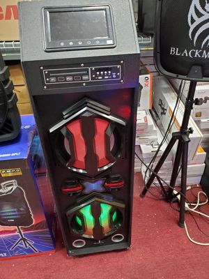 Wow WOW WOW WOW WOW. Tall AND TOWER BLUETOOTH SPEAKER AVAILABLE WITH DVD PLAYER AND MP3 CDS AND DVD PLAYER AND MICROPHONE INCLUDED for Sale in Los Angeles, CA