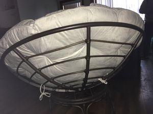 Internacional Caravan 42 in Papasan Chair with Solid Cushion. for Sale in Woodburn, OR