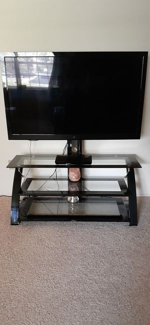 """55"""" LED HDTV - TE5582B with Z-LINE Stand with Integrated Mount for Sale in Sudley Springs, VA"""