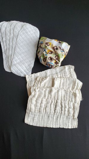 Lot of 9 cloth diaper cloths and cover, newborn for Sale in Irvine, CA