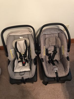 Toddler car seat, toy, and child needs for Sale in Apex, NC