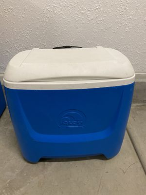 2 wheeled cooler for Sale in Tracy, CA