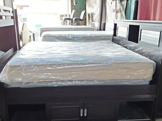 KING BED SET for Sale in Houston,  TX