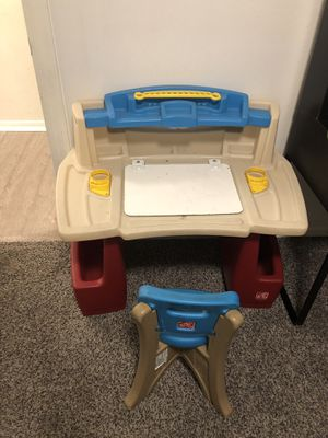 Kids desk for Sale in Lakewood, CA