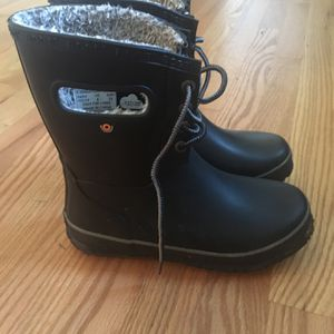 Youth Bog Snow Boots for Sale in Milwaukie, OR