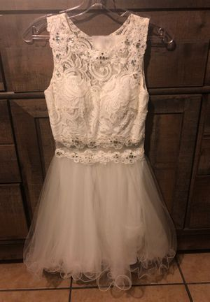 White Lace/Tulle Dress for Sale in Riverbank, CA