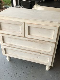 Small Dresser for Sale in Irvine,  CA