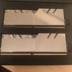 G Skills Tridents Ddr4-3200 8x16 for Sale in Burke,  VA
