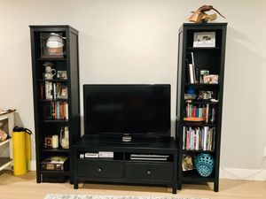 Tv stand and bookshelf / entertainment center for Sale in Miami, FL