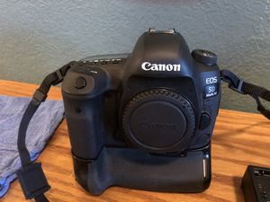 Canon EOS 5D MarkIV for Sale in Denver, CO
