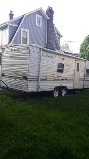 Fleetwood RV 824Z Wilderness Lite for Sale in Meriden, CT