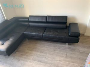 +{[Brand New]}+ $599 Sectional Sofa Black * Financing Available for Sale in Miami, FL
