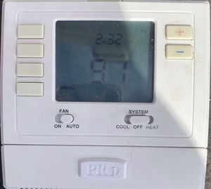 Home Thermostat— nothing wrong with it..I changed to another for Sale in Los Angeles, CA