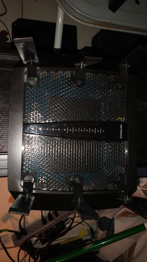 NETGEAR - Nighthawk X6 AC3200 Tri-Band Wi-Fi 5 Router for Sale in North Miami Beach, FL