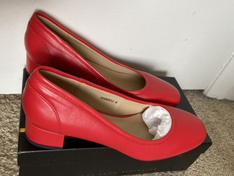 Women Comfort Shoe New, Low Heel for Sale in Silver Spring,  MD