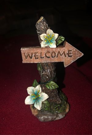 Welcome Sign on Tree Figurine Pedestal and Flowers Ceramic for Figurines, Dolls, Dollhouse, Fairies, Fairy Garden, Easter, Summer for Sale in Plainfield, IL