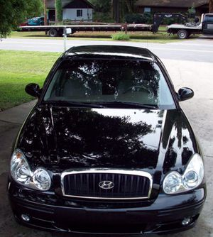 2004 Black Hyundai Sonata - V6 Cylinder — 198,000 miles for Sale in Columbus, OH