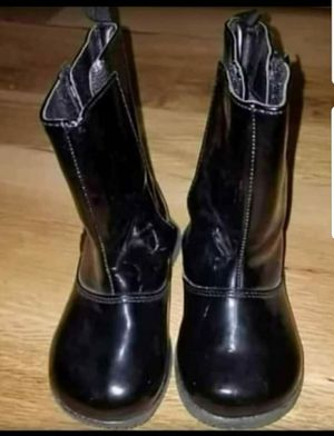 Toddler girls boots size 6 for Sale in Brighton, CO