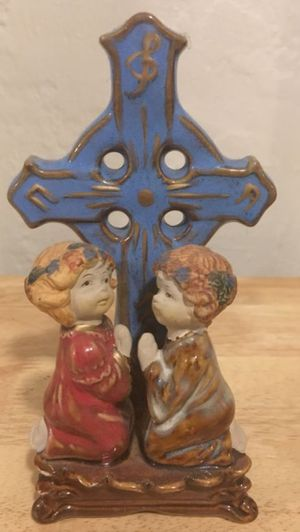 Children Praying 🙏 Statue 6 tall Pearl Ceramic Vintage Finish for Sale in Pinole, CA