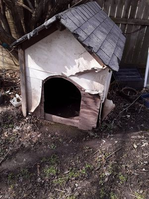Dog house for Sale in East St. Louis, IL