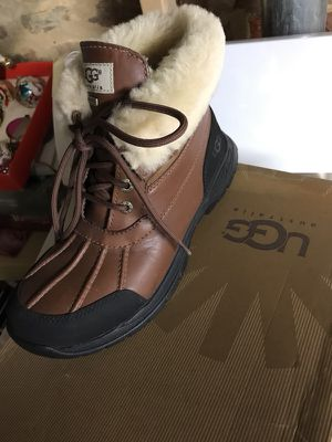 UGG boots size 7 men's for Sale in Baltimore, MD