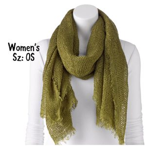 Final Sale NWT Women's Apt9 Fringe Scarf in bay leaf for Sale in West Des Moines, IA