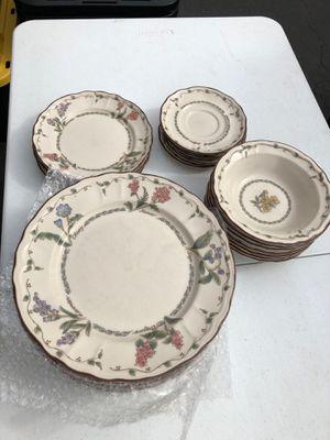 Dish set Epoch 21 piece matching for Sale in Manassas, VA