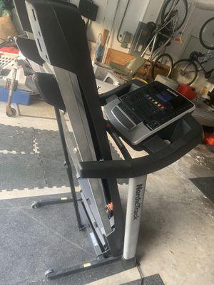 Nordictrack t7.0 treadmill for Sale in Dunedin, FL
