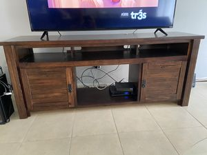 "Tv Stand wood 74"" long x 20 "" deep x 31 ""height for Sale in Orlando, FL"