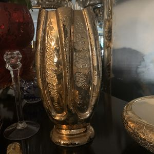 Vintage 24k Gold Vase for Sale in Ontario, CA