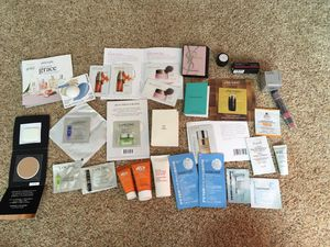 Lots of 30 Perfume Skin Care Samples Lips for Sale in Snohomish, WA