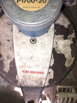 ULTRA HIGH SPEED Windsor Lightning 20 Inch 1500 Floor Burnisher Buffer Excellent condition nothing wrong with it great for small business or your own for Sale in Rockville, MD