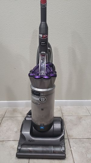 Dyson DC17 animal vacuum cleaner for Sale in Atascocita, TX