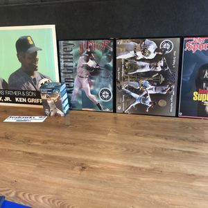 Huge Baseball Card And Seattle Mariners Memorabilia Collection for Sale in Maple Valley, WA