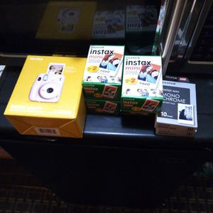 Fuji Film Instax Mini 11 Bundle for Sale in Fresno, CA