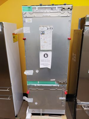 """Thermador 30"""" Built in Bottom Freezer Refrigerator Panel Ready for Sale in Whittier, CA"""