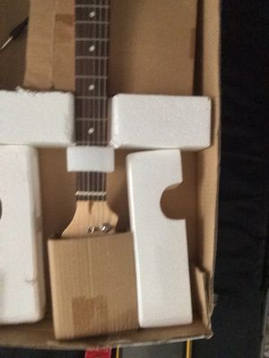 Electric guitar for Sale in Centreville, IL