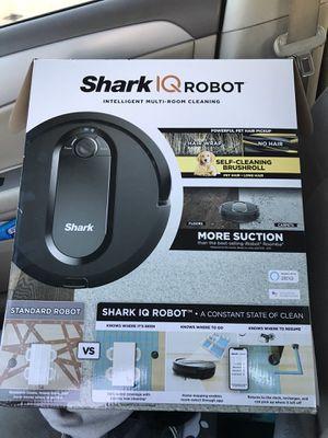 Shark IQ robot vacuum for Sale in Aurora, CO