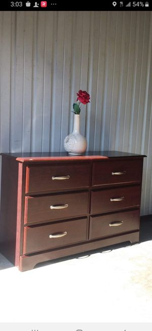 NICE DRESSER WITH 6 DRAWERS DRAWERS SLIDING SMOOTHLY GOOD CONDITION for Sale in Fairfax, VA