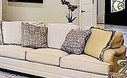 Sofa/Couch For Living Room. Three Seater for Sale in Alpharetta,  GA